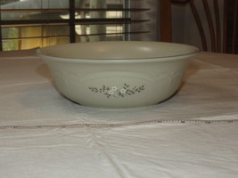 Pfaltzgraff USA Heirloom Vegetable Bowl 011 oven & microwave safe Stonew... - $39.59