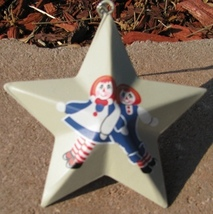 Metal Christmas Ornament OR231 - Raggedy Ann an... - $1.95