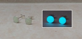GLOW IN THE DARK 6mm Stud Round Earrings with Iridescent Glitter Silver ... - $10.50