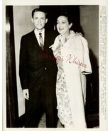 Dorothy LAMOUR Mature SON ORG c.1964 Press PHOTO i684 - $9.99