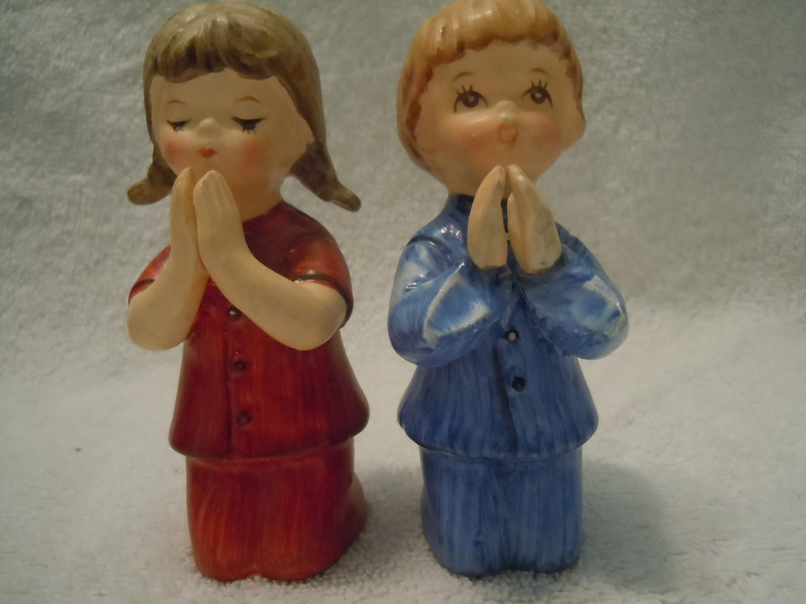 Vintage Schmid Bros Praying Boy And Girl Figurines - $6.99