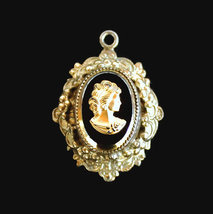 Vintage Victorian Style Cameo Charm, Black Glass Set In Gold Tone With G... - €15,44 EUR