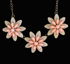 Vintage Daisy Flower Bib Necklace, In Peach And Cream Lucite - $34.99