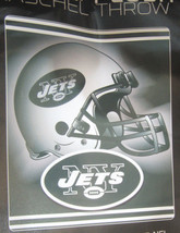 NFL NWT ROYAL PLUSH RASCHEL THROW BLANKET TONAL HELMET - NEW YORK JETS - €33,93 EUR