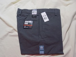 Dockers Men's Signature Khaki D2 Straight Fit Flat Front Pant, 32/30 - $29.02