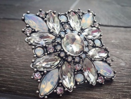 Captivating pin/brooch - $53.00