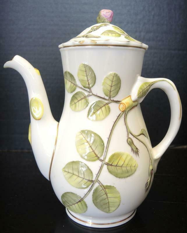 Royal Worcester 4 Cup Tea Pot - The Blind Earl Pattern image 11