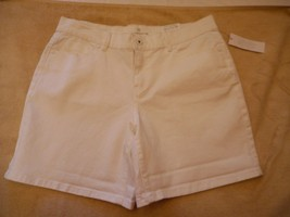 Women's Liz Claiborne Classic Fit  Shorts White Summer Size 8 NEW - $24.74