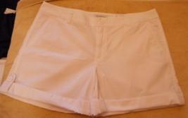 Women's Liz Claiborne Poplin Shorts White  Size 14 NEW - $24.74