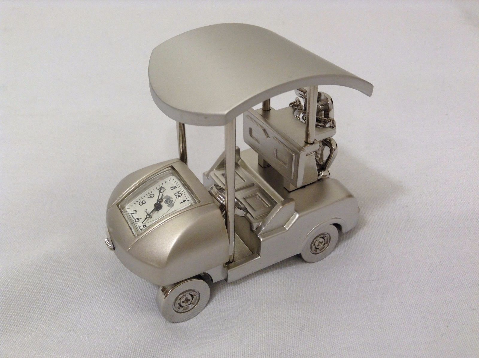 New Sanis Golf Cart Table Clock Silver Color Metal Heavy Cart Can Move On Wheels
