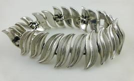 Trifari Wavy Leaves Silver-Tone Link Chain Bracelet - 7 Inches Long - Free Ship - $40.00