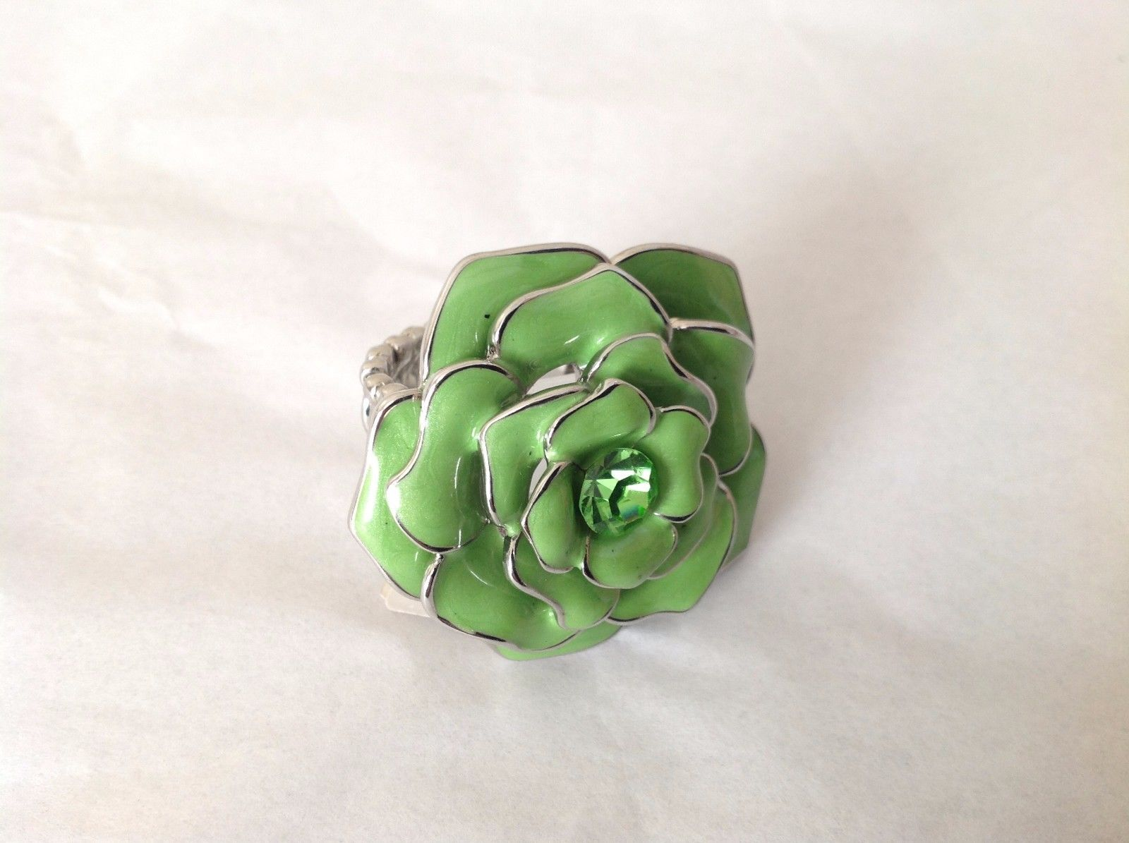 NEW Green Flower Ring Adjustable Elastic Band Enameled Metal Swarovski Element