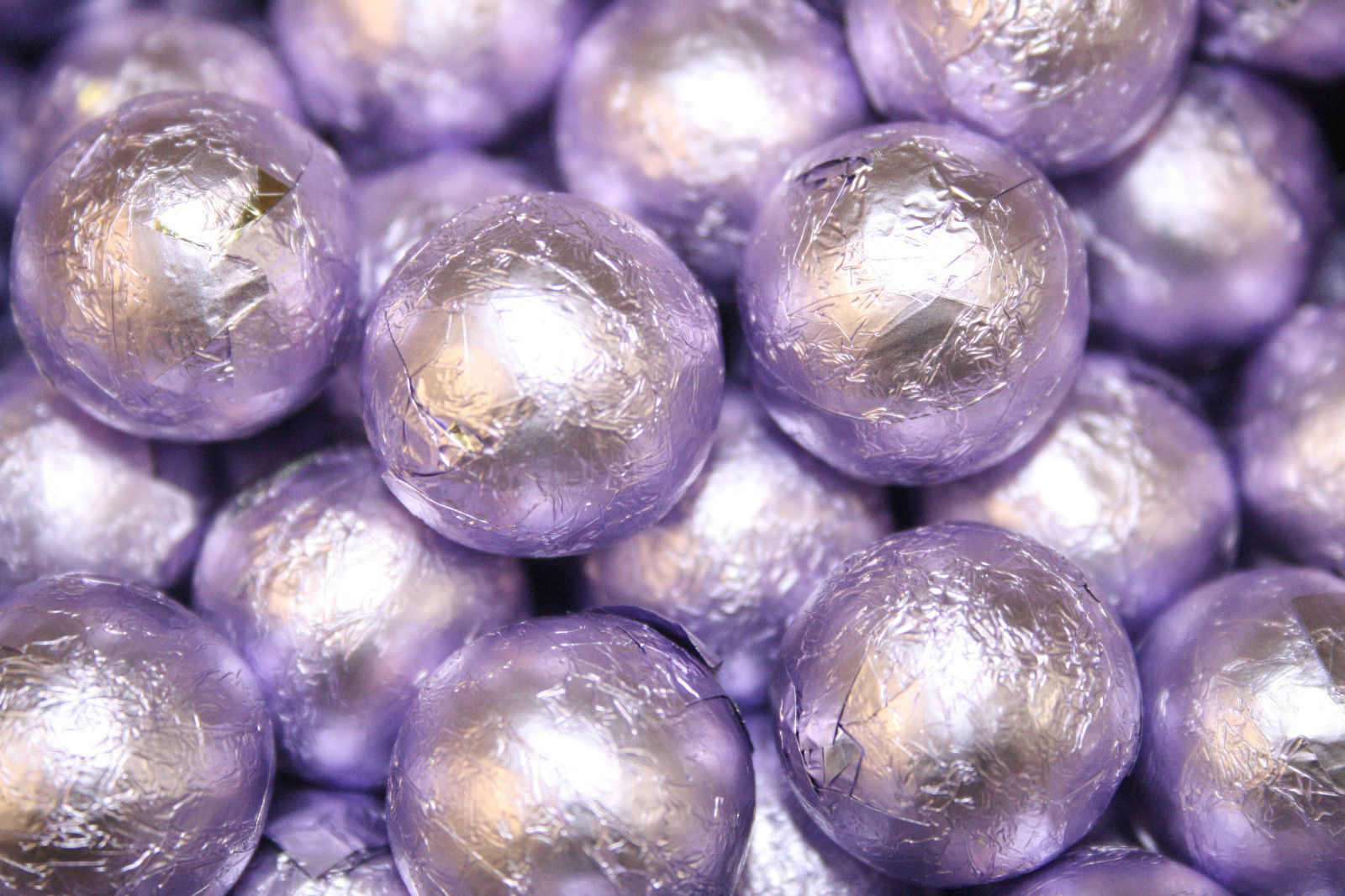 MILK CHOCOLATE BALLS LAVENDER FOILED, 2LBS