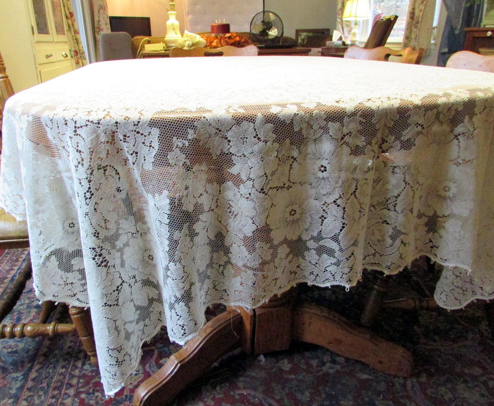 Vintage quaker lace ivory tablecloth rectangle 62X84
