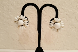 Crown Trifari Signed White and Gold Beaded Stud Clip On Earrings  - $20.00