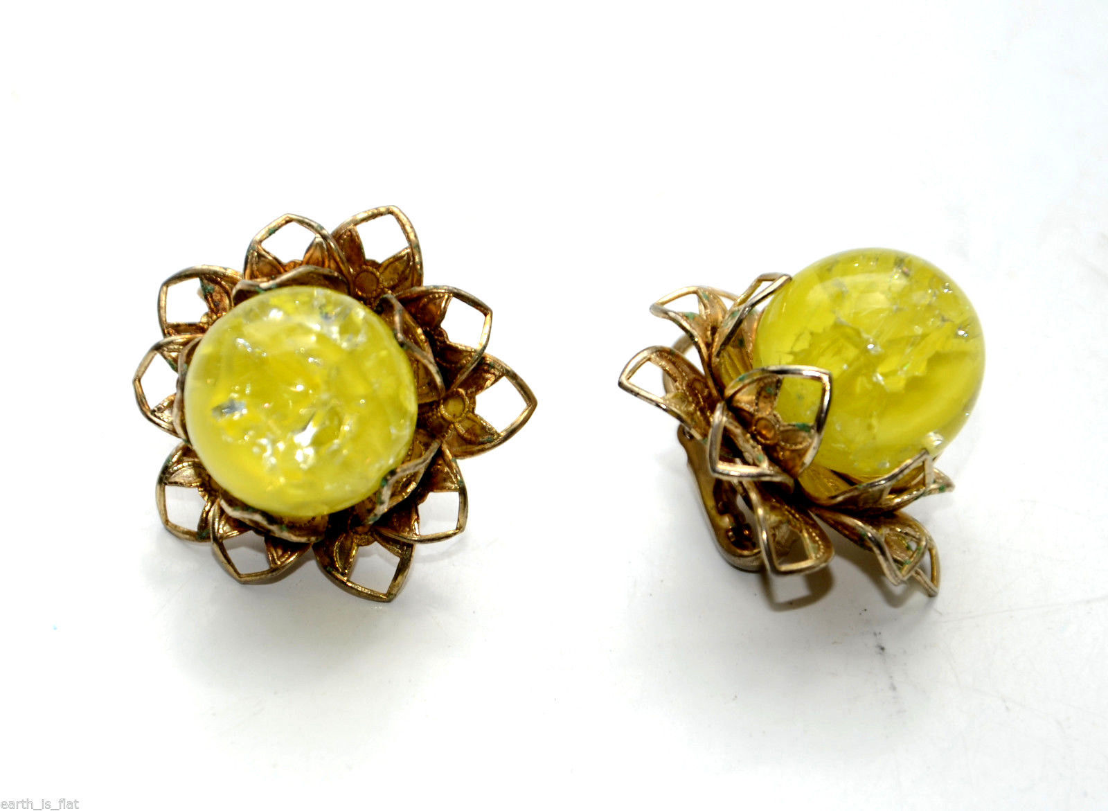 Primary image for vintage clip earrings yellow lucite cab cabochon flower floral