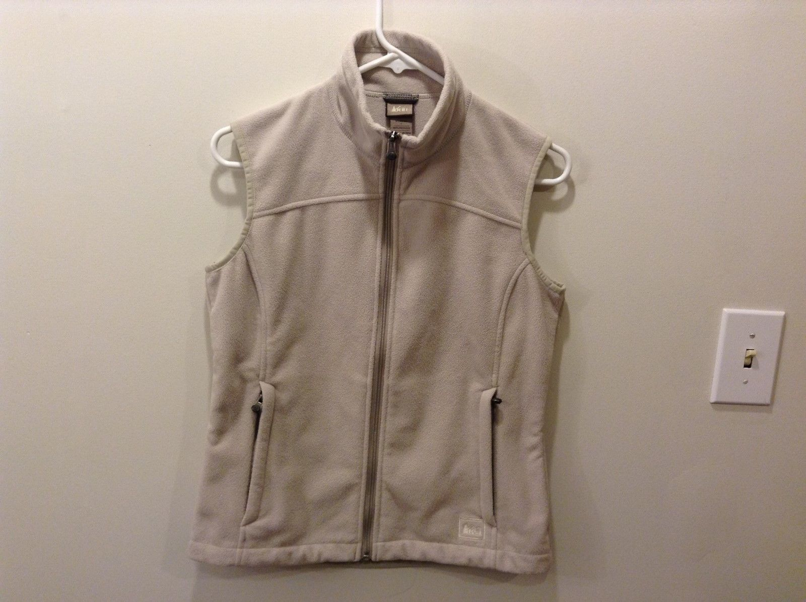 Women's REI Taupe Creamy Gray Tan Fleece-y Outdoor Vest Size Small