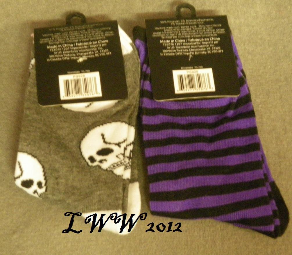 2 pairs Halloween Skull purple Striped Cat jack-o-lantern Ladies Socks size 9-11