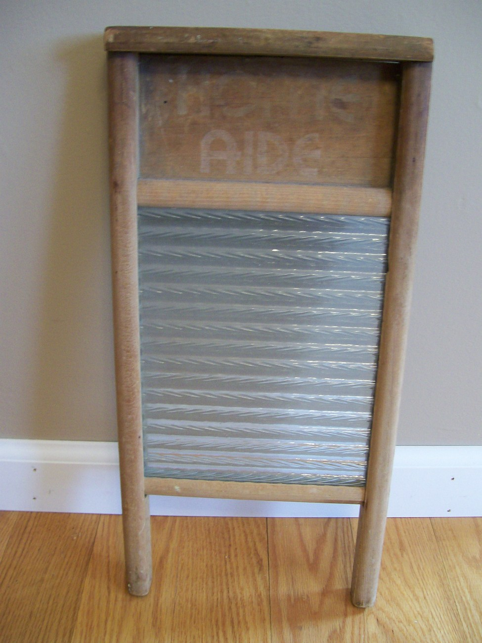 Vintage Home Aide wood and glass washboard. Columbus Washboard Co. - Ohio.