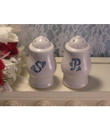 Vintage Pfaltzgraff Blue Yorktowne Dinnerware Salt and Pepper Shaker Set... - $19.99