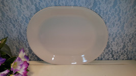 Corelle Corning Beige Coupe Oval Serving or Meat Platter, Vintage Mid Ce... - $24.99