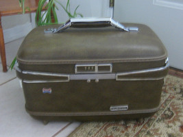 American Tourister Suitcase, Cosmetic, Make Up,... - $24.99