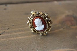 Vintage Gold Tone Adjustable Cameo Ring - $13.86