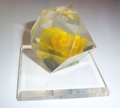 VINTAGE LUCITE PAPERWEIGHT WITH YELLOW FLOWER -... - $29.90