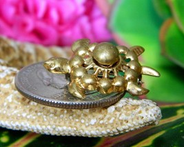 Vintage Sea Turtle Tortoise Flippers Tiny Figural Brooch Pin Gold Tone image 2