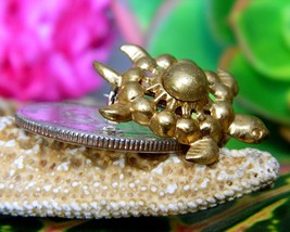 Vintage Sea Turtle Tortoise Flippers Tiny Figural Brooch Pin Gold Tone image 6