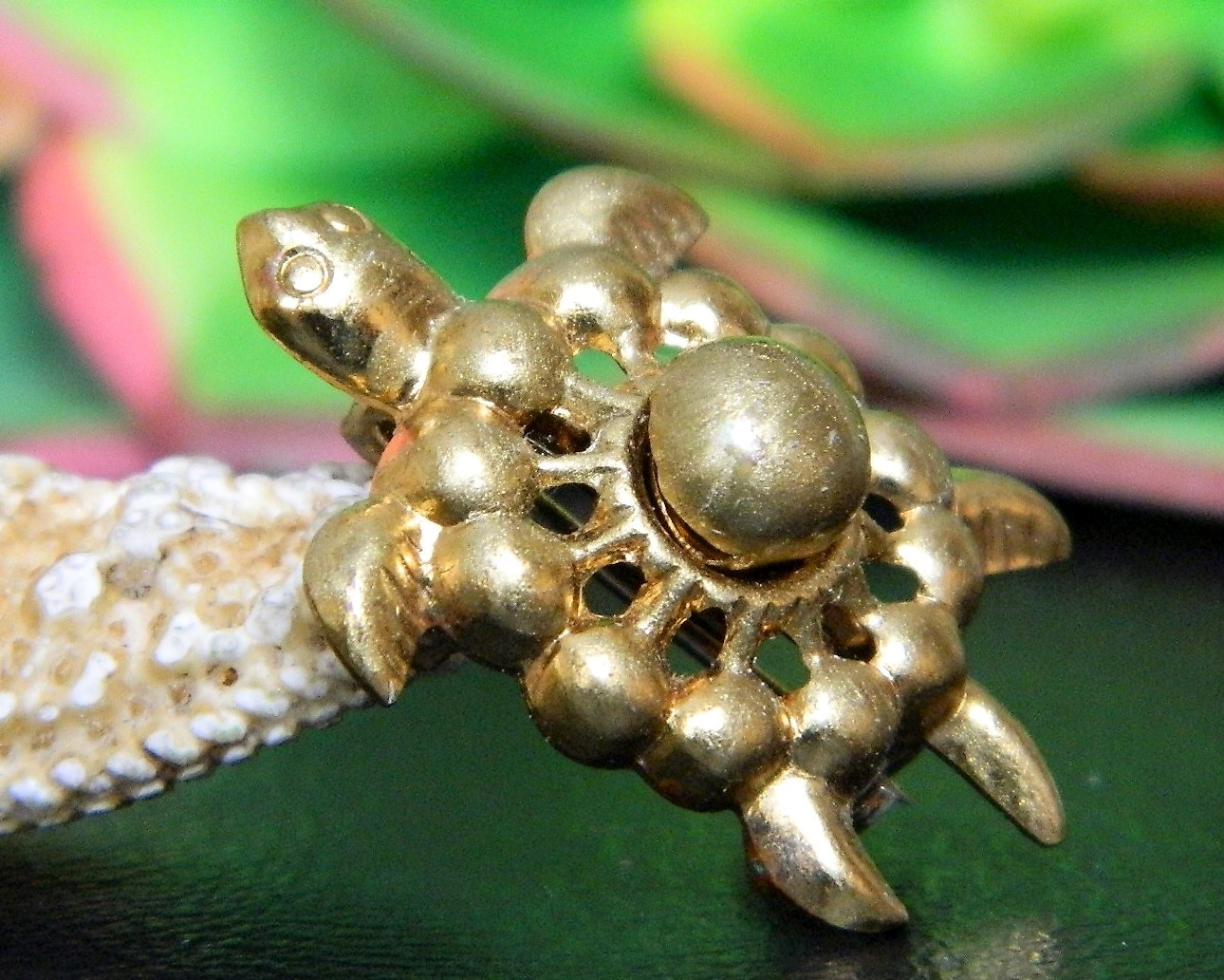Vintage Sea Turtle Tortoise Flippers Tiny Figural Brooch Pin Gold Tone image 8
