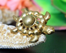 Vintage Sea Turtle Tortoise Flippers Tiny Figural Brooch Pin Gold Tone image 9