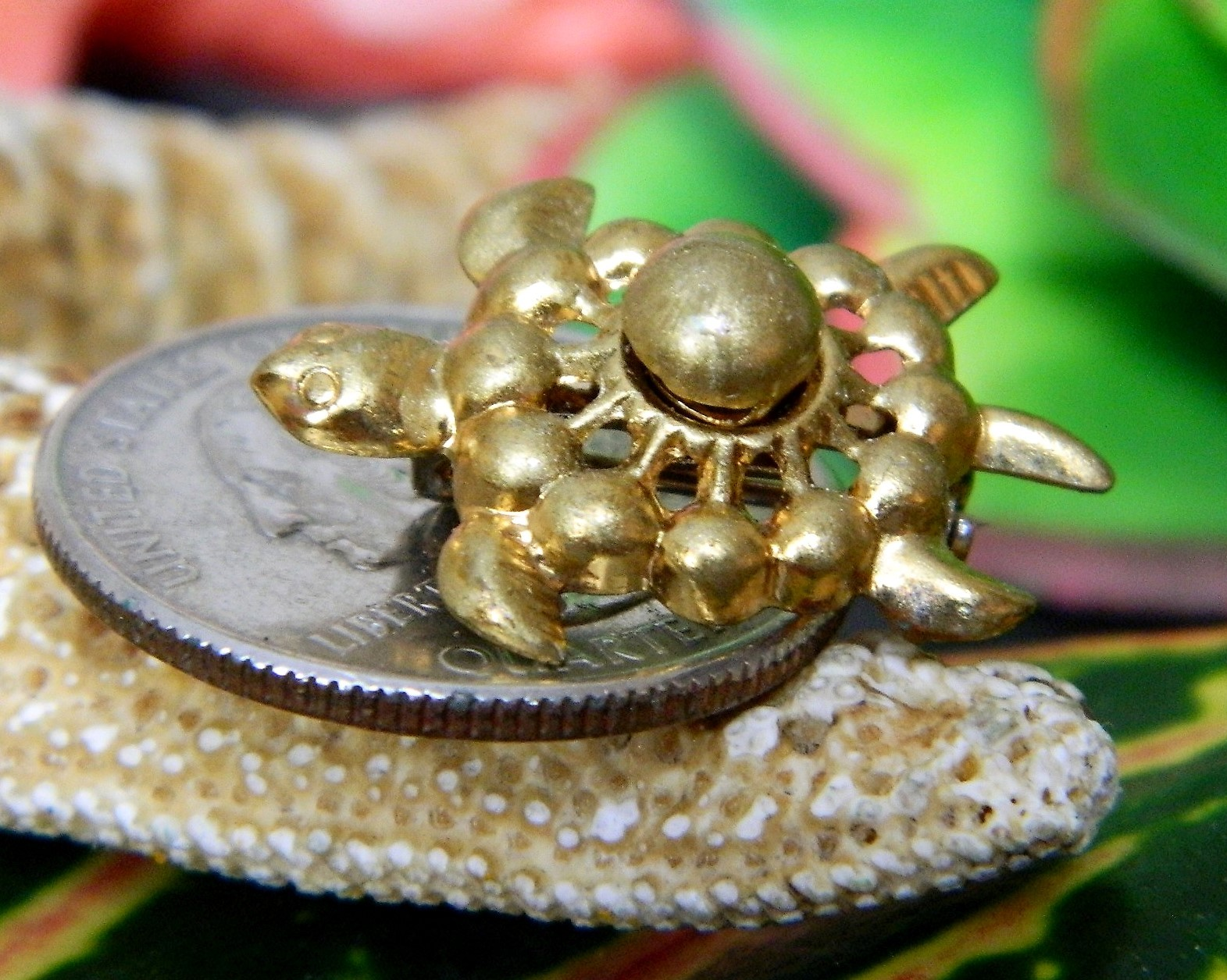 Vintage Sea Turtle Tortoise Flippers Tiny Figural Brooch Pin Gold Tone image 10