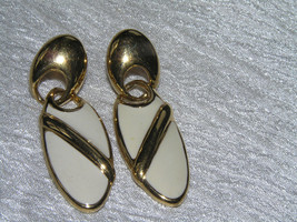Estate Oval Cream Enamel with Goldtone Stripe Doorknocker Earrings for P... - $9.49