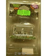 Lemax Spooky Town Halloween Skull and Stone Fence Bones - $4.49
