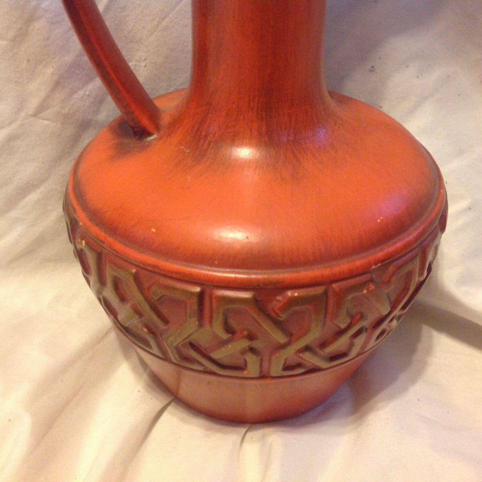 Vintage haegar pottery 407018 large orange vase urn for Orange vase