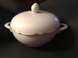 Soup Tureen Kahla Germany 1946 White Rose Finia... - $181.17