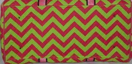 Rosen Blue  CC703 Fuchsia Lime Chevron Pattern Duffle Bag image 4