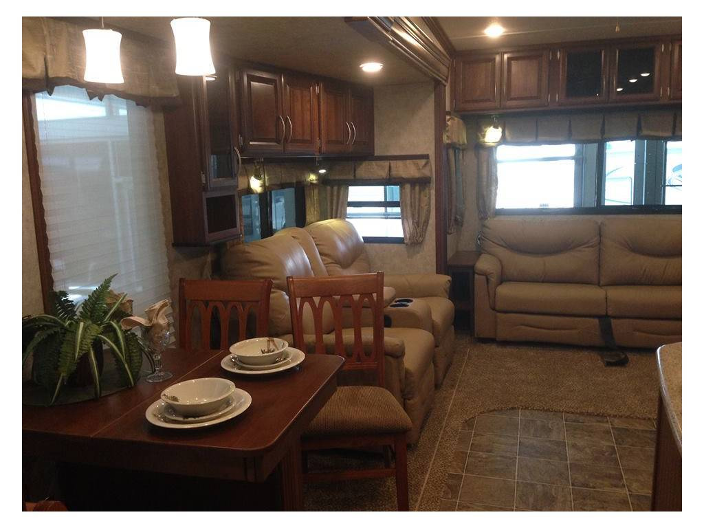 2015 Prime Time Sanibel 3601 Fifth Wheel For Sale In Spicewood RV Park, TX 78669