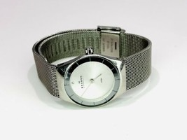 Skagen SKW2044 Denmark Swarovski Crystal White Dial Stainless Steel Watch - $34.65