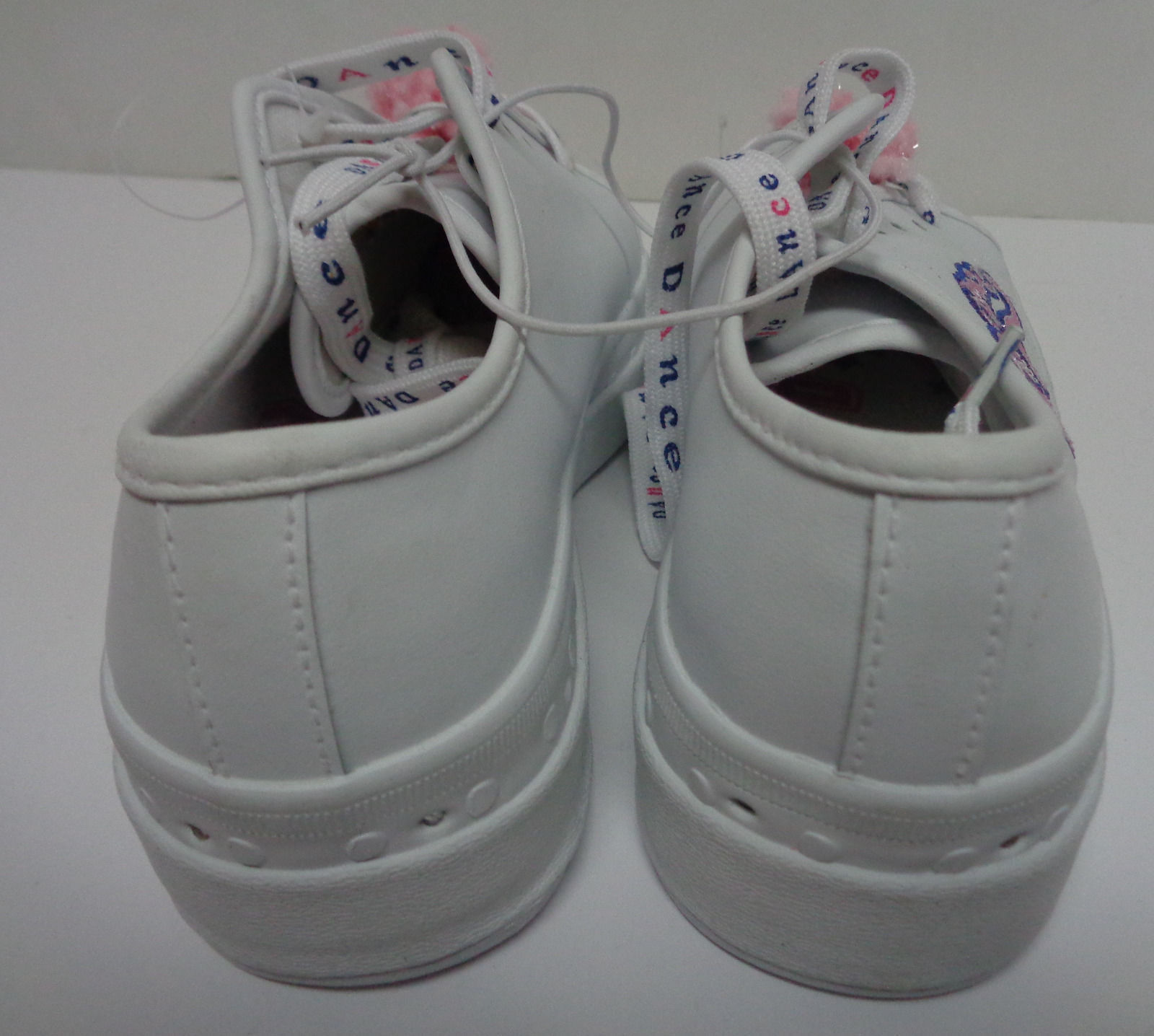Leather Tennis Shoes DANCE Pom-Pom Girls Size 10.5 NEW No Boundarie