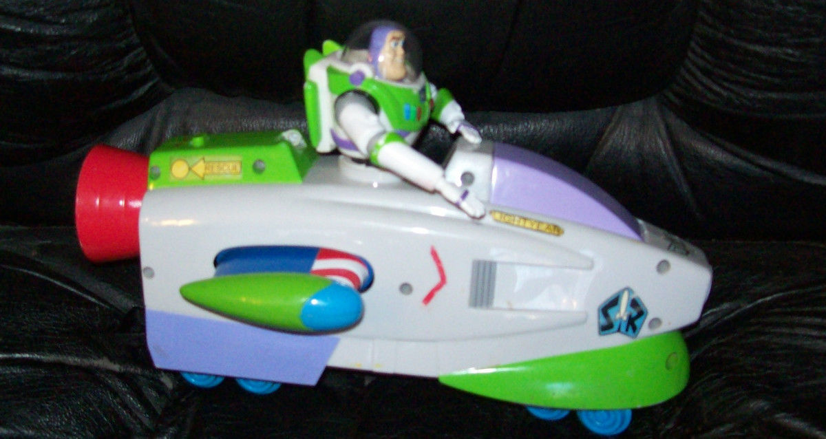 Disney Buzz Lightyear Space Engine Train