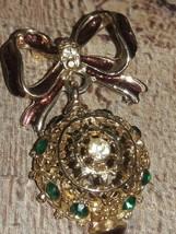 1970'S SIGNED AVANTE ribbon and green stones  gold tone rhinestone brooch - $21.78