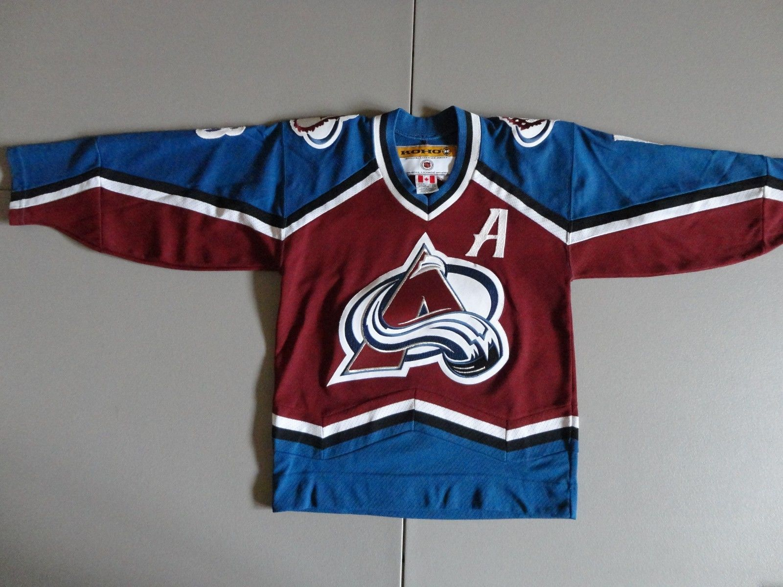 8b58b5685 S l1600. S l1600. Koho Colorado Avalanche  18 Draucker NHL Hockey SEWN Jersey  Youth S M EXCELLENT ...
