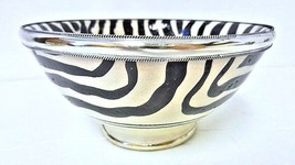 Moroccan Ceramic Zebra Striped Bowl with Silver Metal Trim - $470,42 MXN