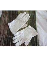 Vintage 1950s-60s Ladies Short White Dress Glov... - $20.00