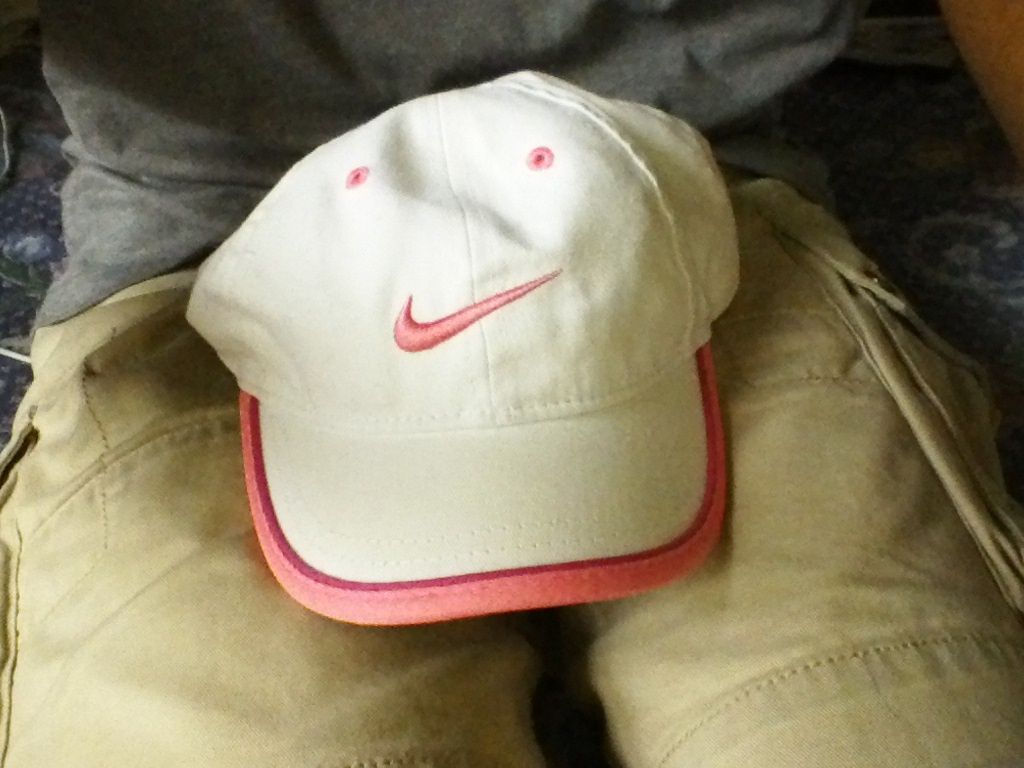 da9e8255f07 Nike Size 4 - 6X White And Pink Hat and 50 similar items