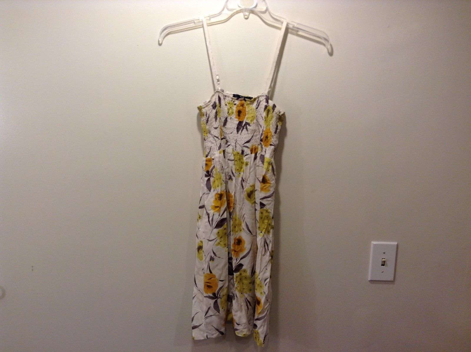 Treasure Rock 100% Cotton White Floral Spring Dress Size Medium