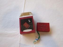 Happy Hoildays Photo holder mouse RARE Christmas Hallmark Keepsake Ornam... - $22.76