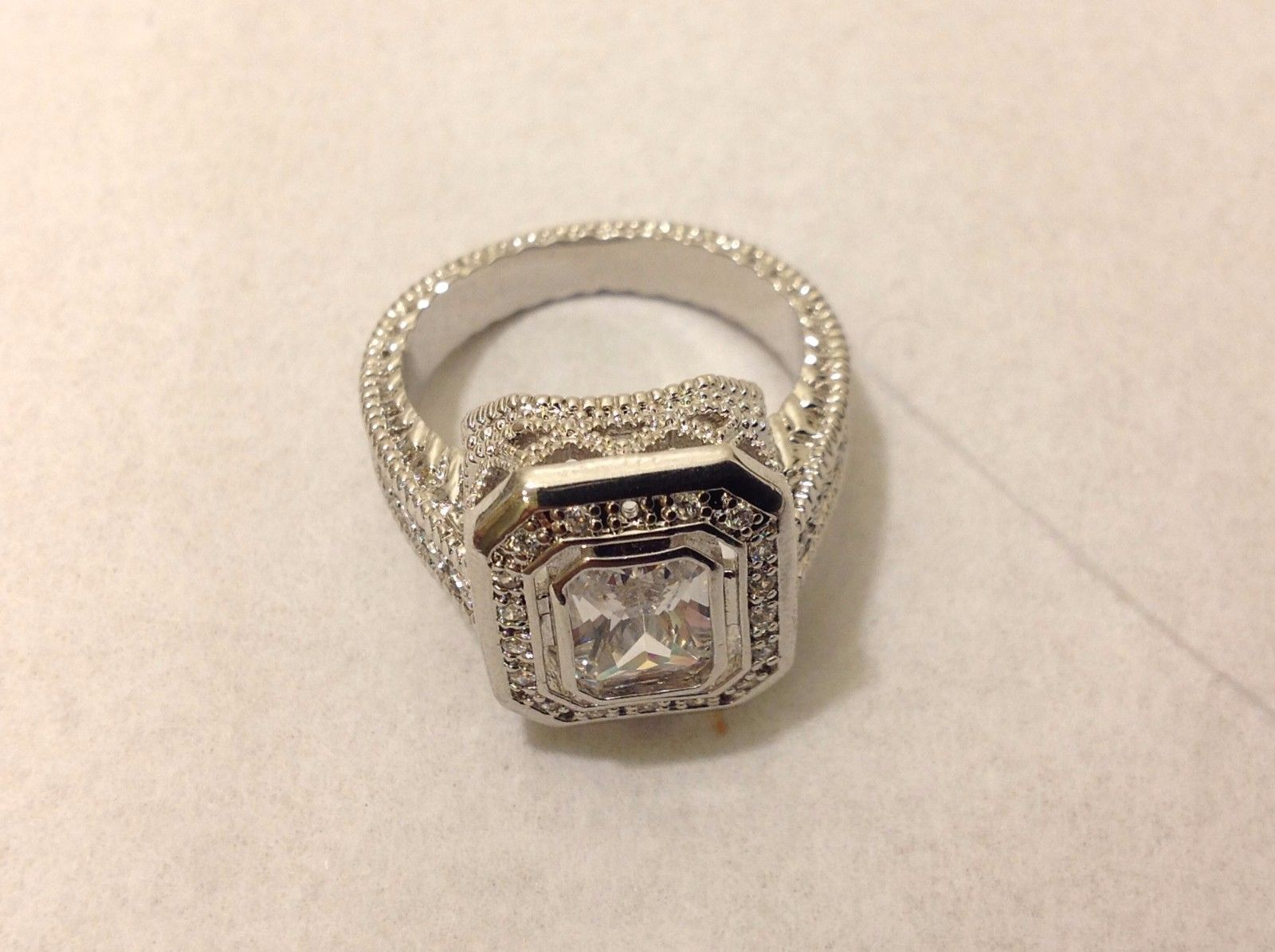 Intricate Silver Toned Rig Filigree CZ Size 9 Missing 1 Small Crystal
